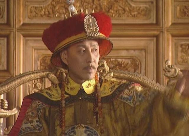 他是状元出身,出任乾隆首席军机大臣,死后却发现他原来是个贪官